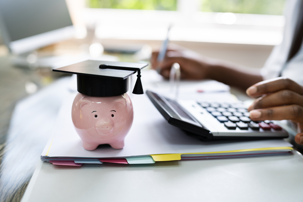 Refinance and Consolidate Student Loans in 2021